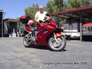 David's new toy - a 2006 Honda VFR800, 64Kkm but as new, V4 16 valve motor, 12,000rpm redline.